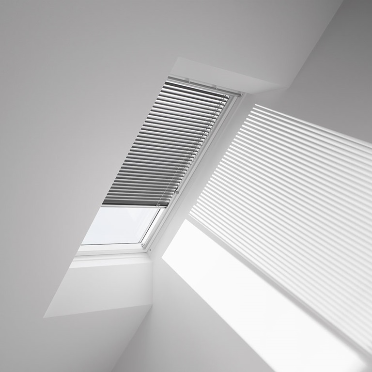 Velux venetian skylight blinds manual operation Velux skylight shade